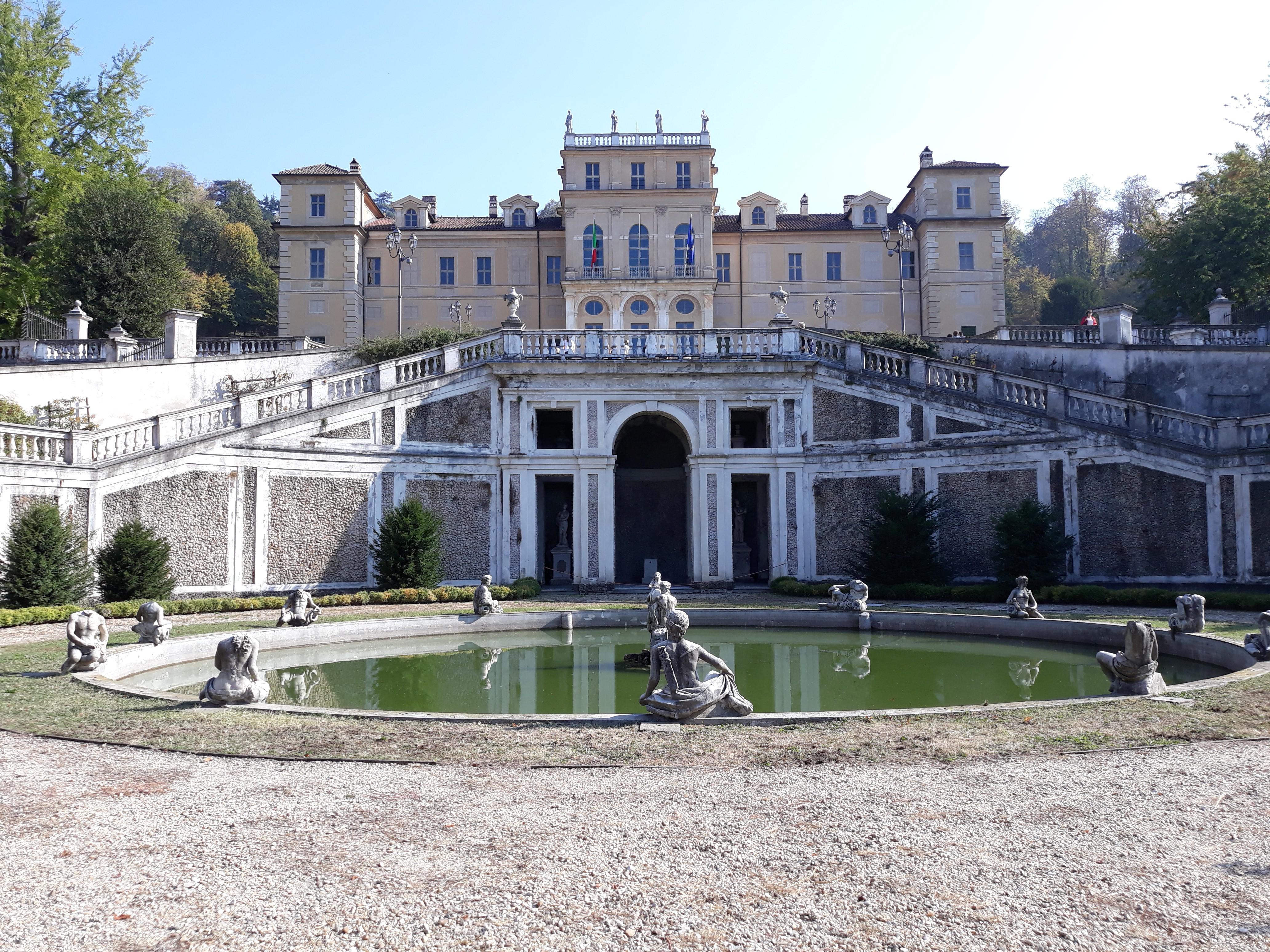 Villa-della-Regina-vista-viale-aulico